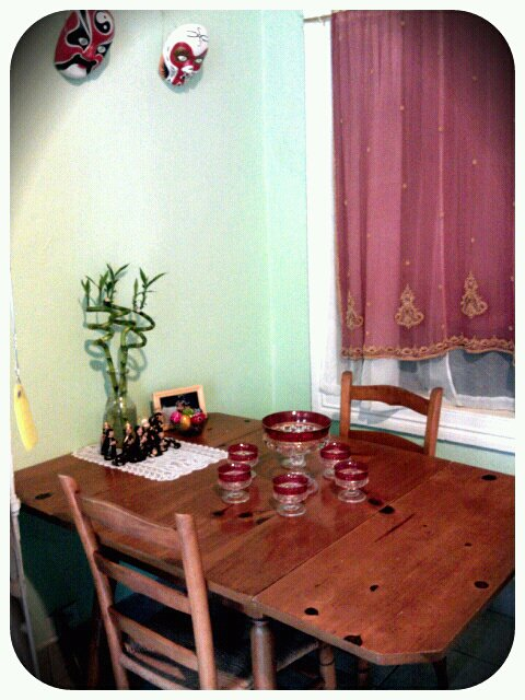 lucky-bamboo-kitchen-table