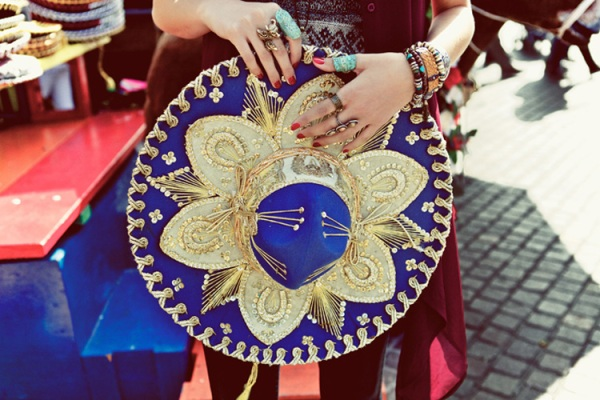 sombrero blue gold