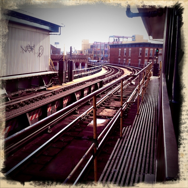 queens 7 train platform court square