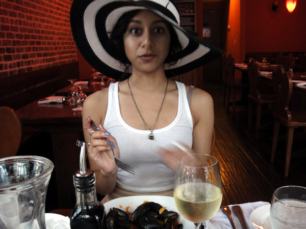 floppy hat brooklyn brunch