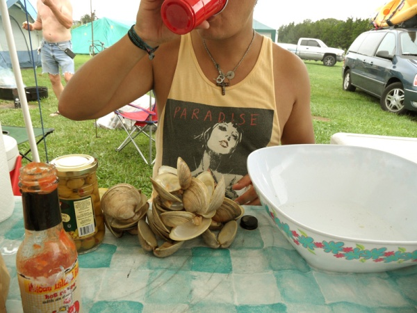 camping clams summer