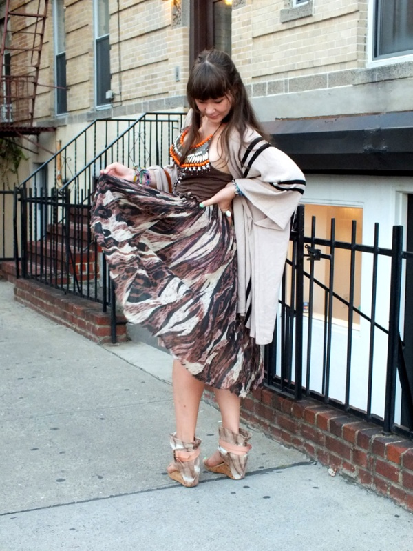 street style nyfw fashion week maxi skirt poncho