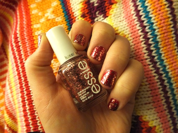 essie a cut above sparkle pink nail