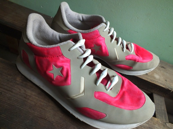 neon pink running shoe diy makeover (10)