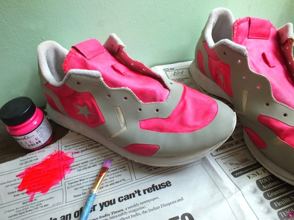 neon pink running shoe diy makeover (6)