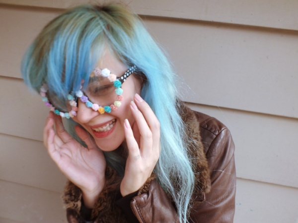 blue hair flower frame glasses floral spring diy (1)